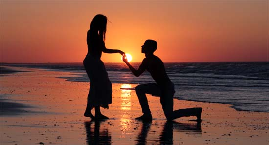 Amor de pareja en la playa